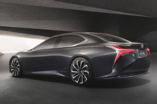 Lexus LF-FC Flagship Concept Is a Thinly Veiled LS with Fuel-Cell Power