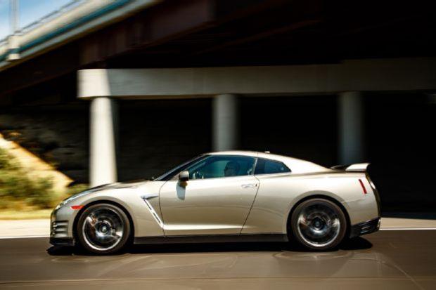 2015 Nissan GT R Side Profile In Motion 01