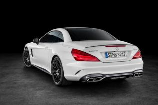 2017 Mercedes-Benz SL Roadster Shows its New Face in L.A.