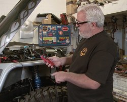 Electrical Tech Tips With Lucky! – Roadkill Extra