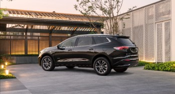 2022 Buick Enclave refined with sleek look