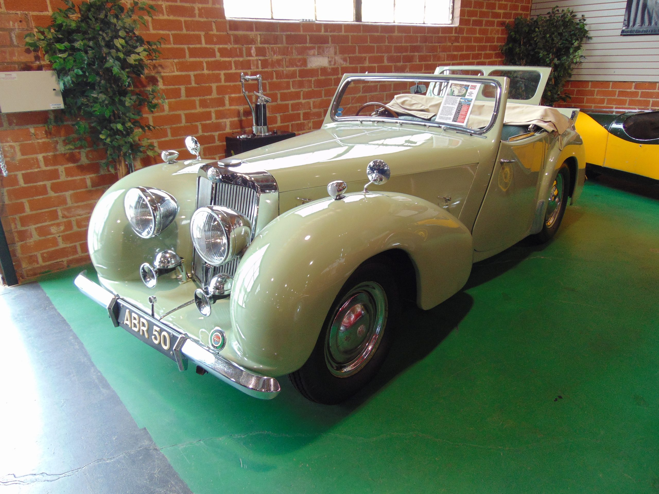 1947 Triumph for rent
