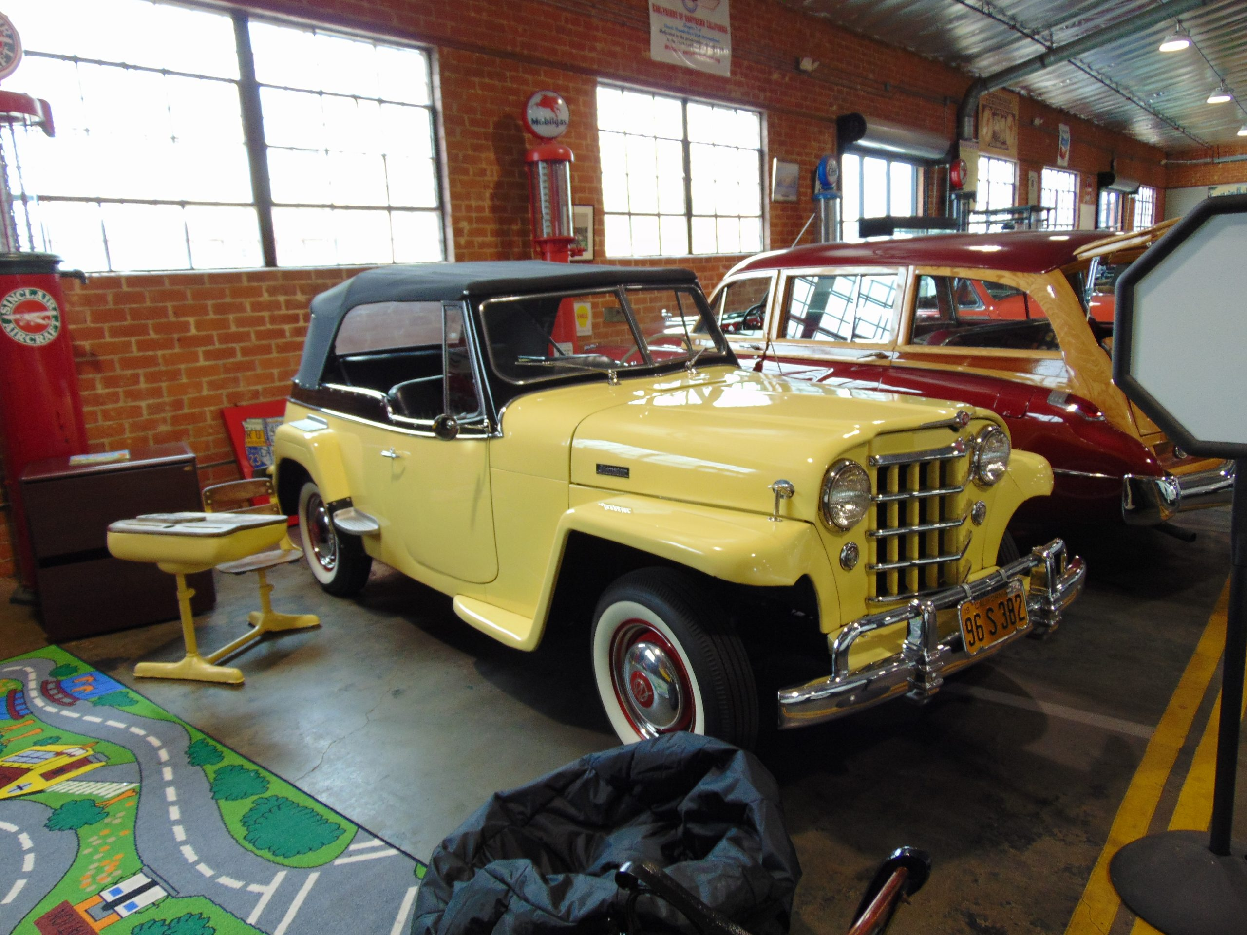 1950 Willys Jeepster for Rent