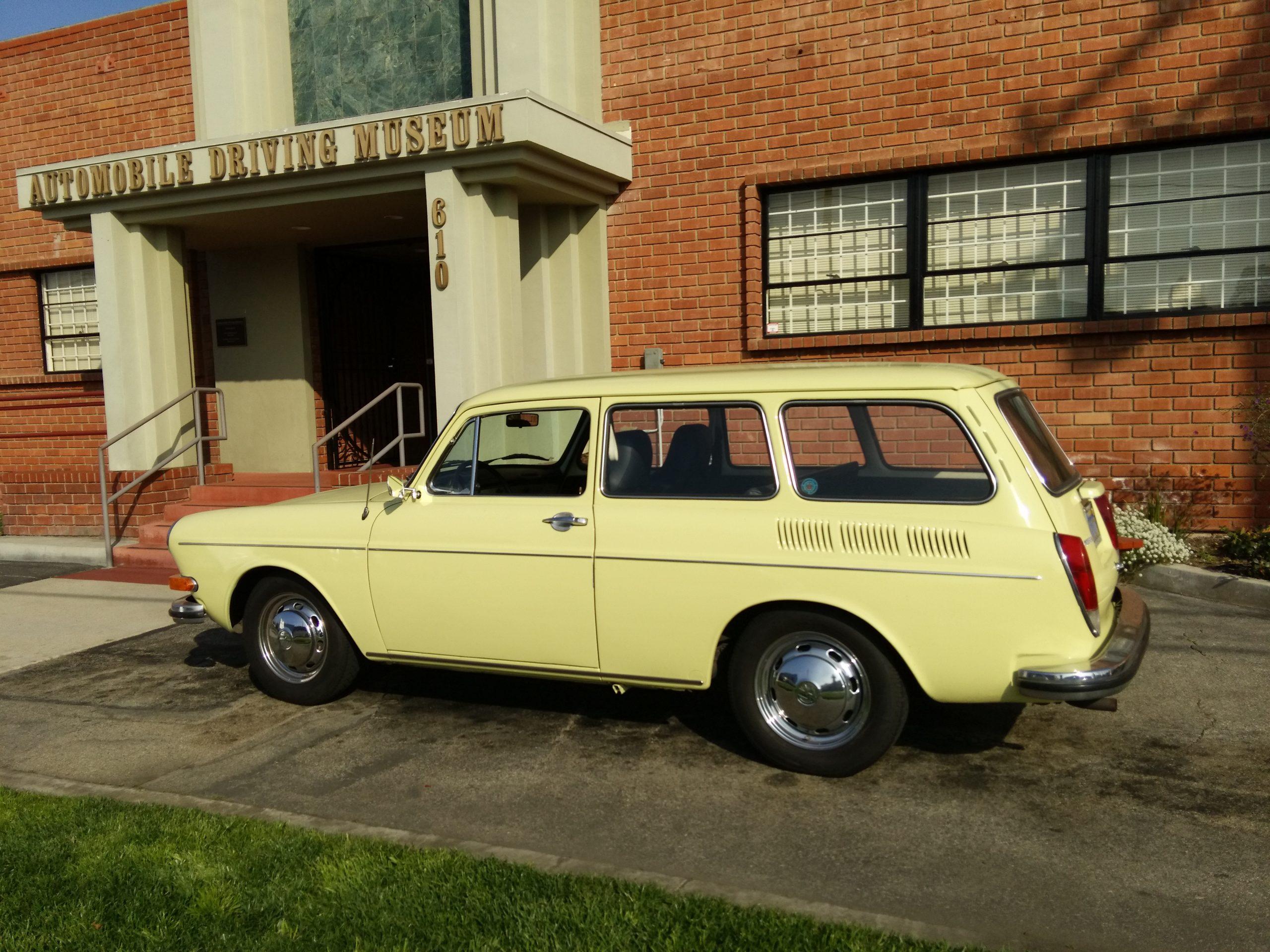 1971 VW Squareback for rent