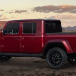 Jeep Wrangler And Gladiator High Altitude Versions Debut In Chicago Luxed Up Off Road Brutes