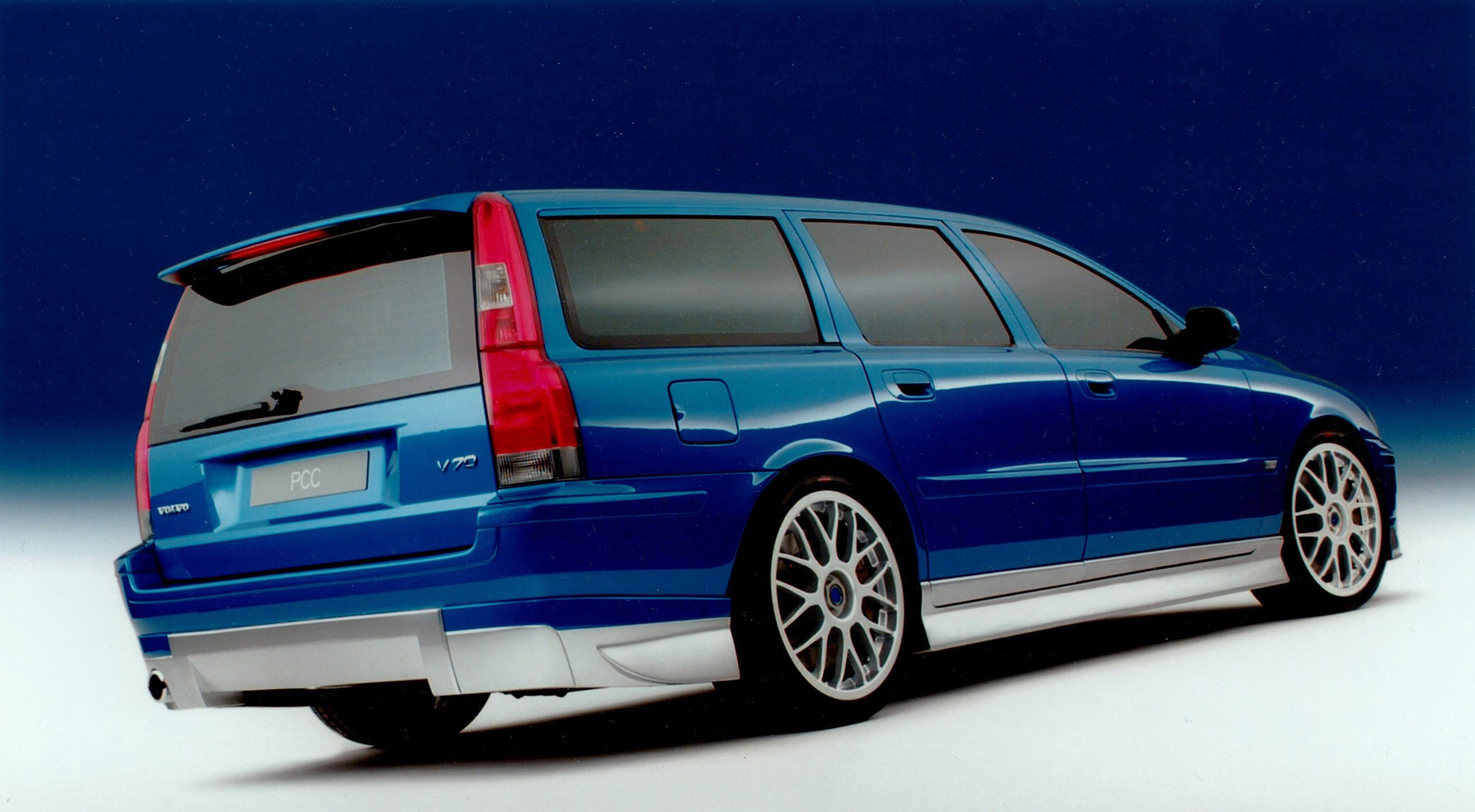 Red Car Wallpaper Download Volvo V70 Concept Car 2001 Picture 35809