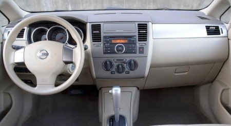 2009 Nissan Versa Hatchback Review