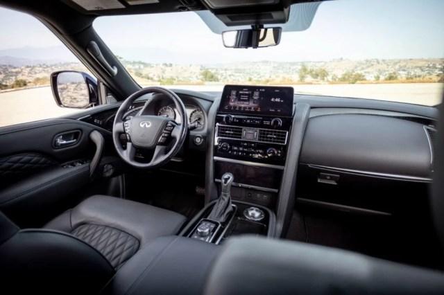 2022 Infiniti QX80 interior.