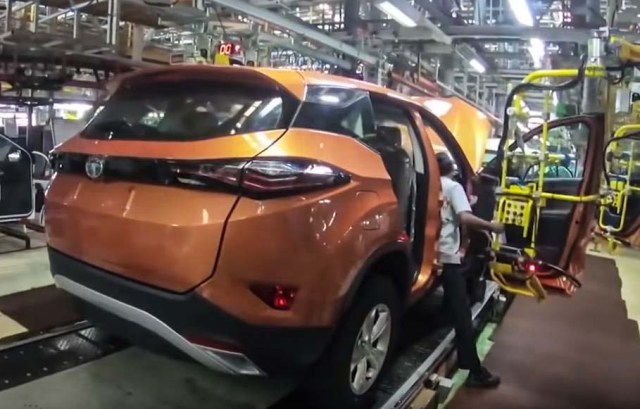 Tata harrier first impressions-production plant