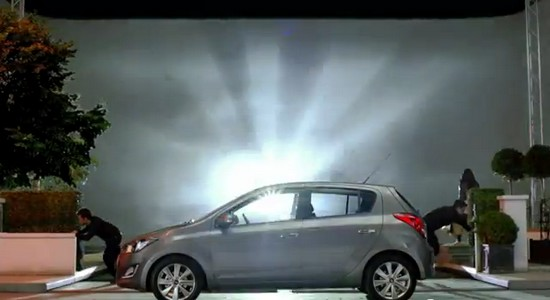 publicit hyundai i20 1 voiture 5 sens automotive marketing. Black Bedroom Furniture Sets. Home Design Ideas