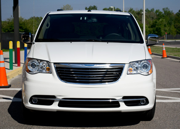 2011 Chrysler Town And Country Front Automotive Addicts