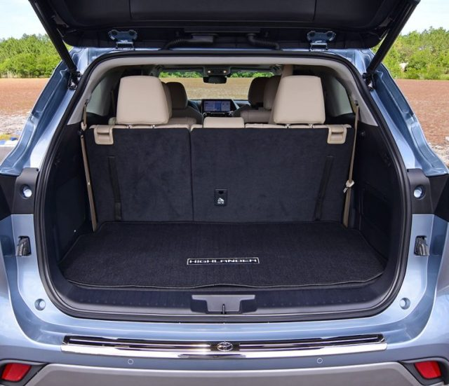2020 toyota highlander platinum cargo third row