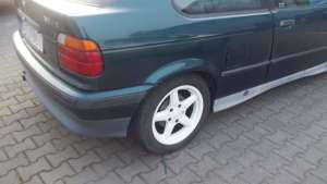 Bok BMW e36 318is Compact