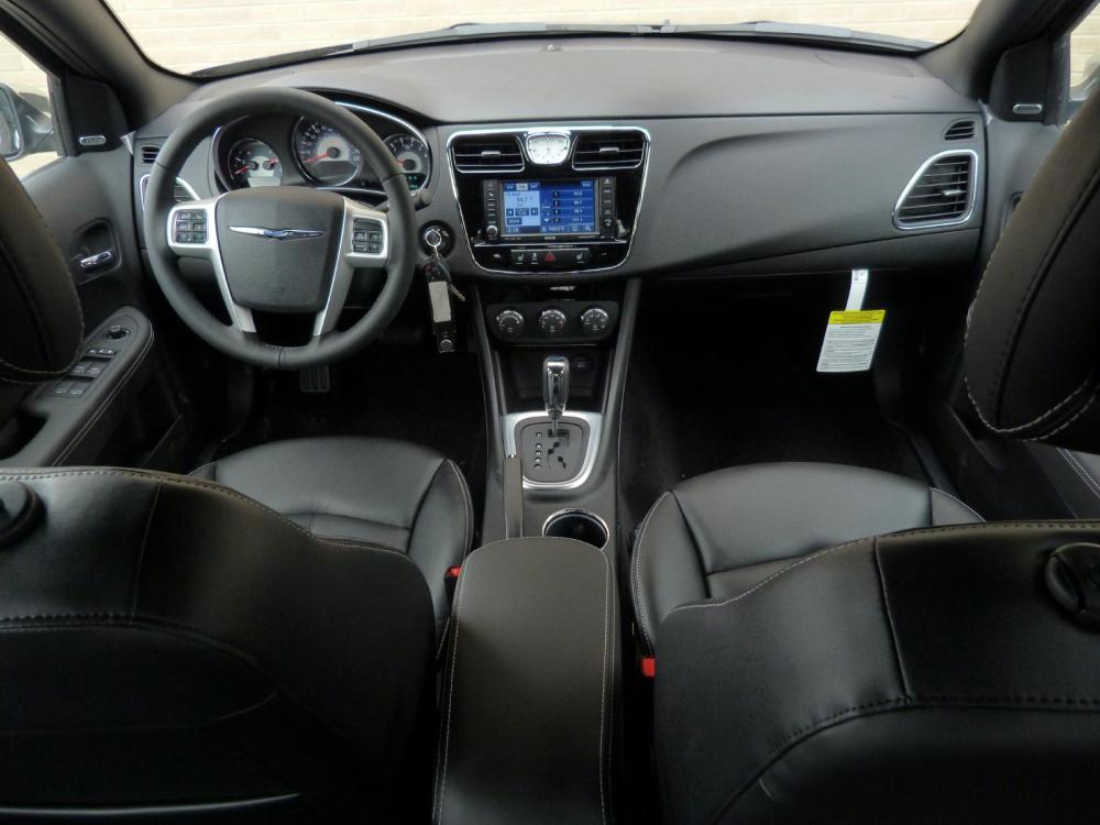 medium resolution of chrysler sebring automotorblog 2007 chrysler sebring interior fuse box at 2007 chrysler sebring interior