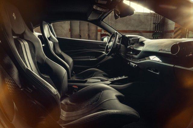 Ferrari F8 Tributo interni