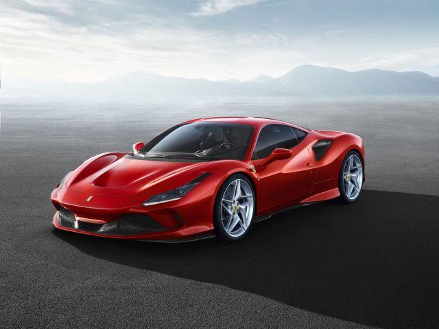 "Elkann annuncia: ""Ferrari elettrica arriva nel 2025."""