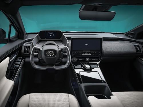 Toyota bZ4X concept volante