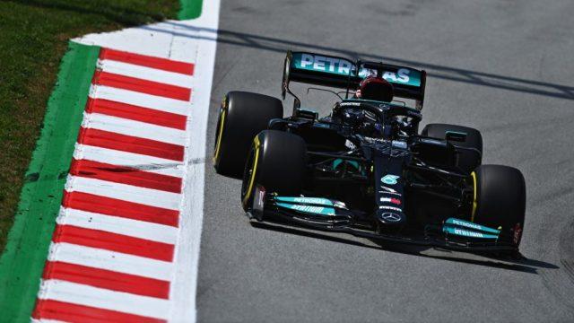 Qualifica del GP di Spagna di F1: Lewis Hamilton è diventato il primo pilota nella storia della Formula 1 a raggiungere le 100 pole position