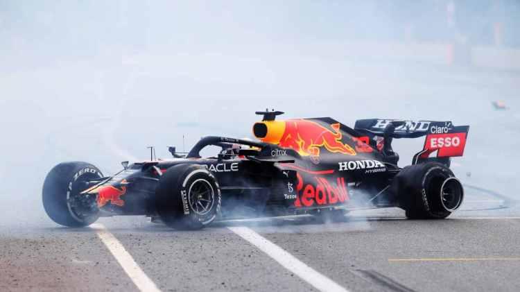Verstappen meriterebbe un vantaggio maggiore secondo Jacques Villeneuve