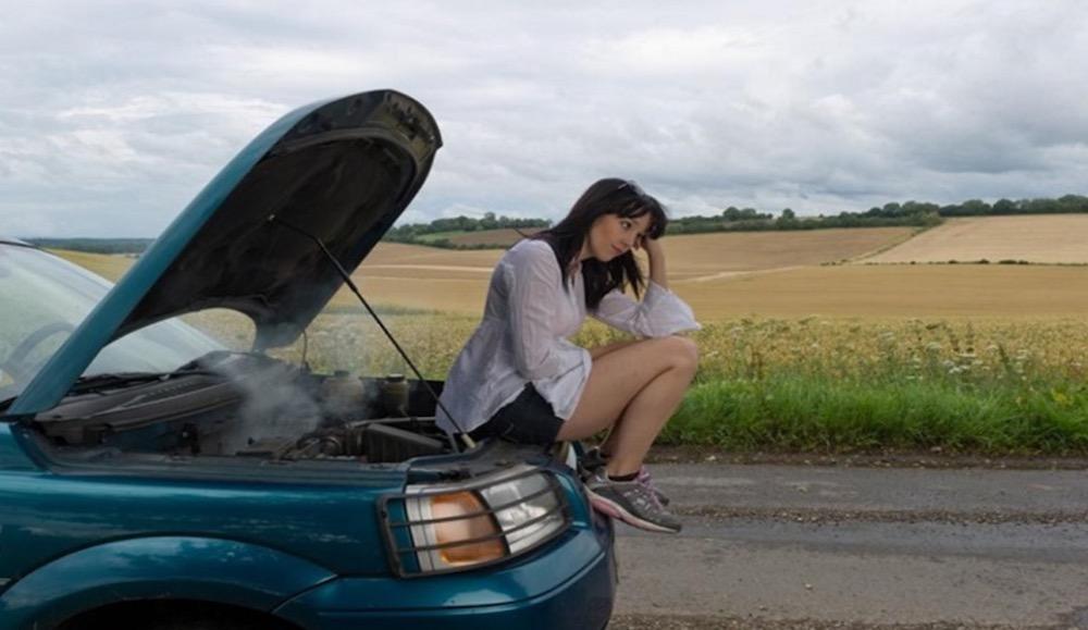 ¿Por qué el motor de tu coche rinde menos en verano?