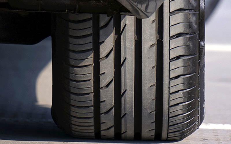 ¿Por qué es importante mantener los neumáticos en buen estado?