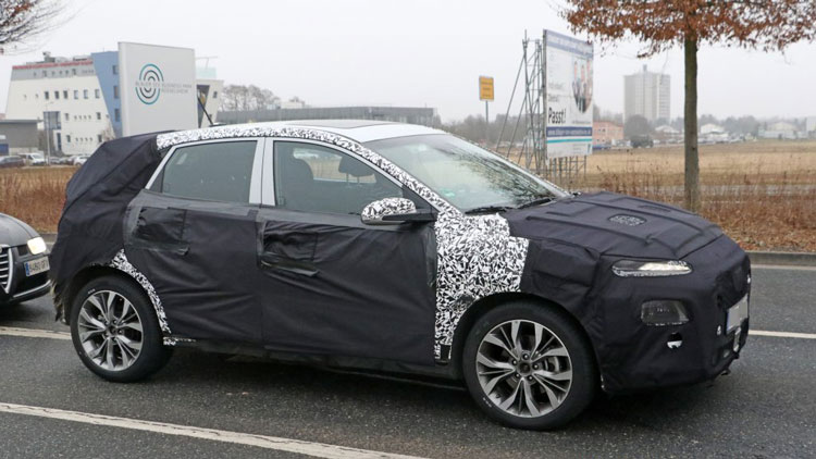 2018 hyundai fastback. perfect hyundai world2018 hyundai i30 fastback spy shots view larger image throughout 2018 hyundai fastback