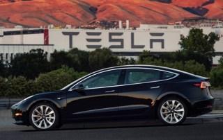 Tesla misses Model 3 production target