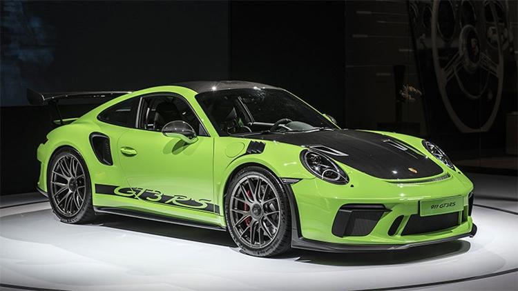 Porsche Weissach package