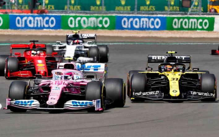 Lance Stroll, Racing Point RP20 and Esteban Ocon, Renault R.S.20 battle