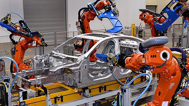 Lopovi ukrali dvije prikolice motora iz tvornice Jaguar Land Rovera!