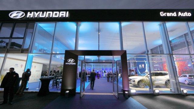 I Vatreni na otvorenju novog Hyundai centra u Zagrebu
