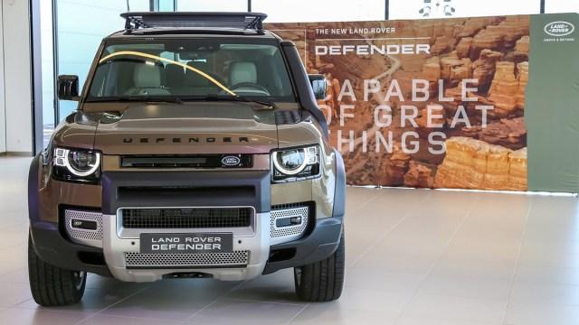Već sad možete kupiti novi Land Rover Defender, iako stiže tek u travnju