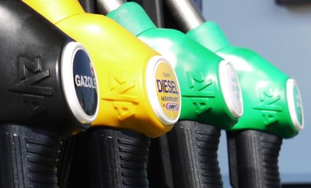 Litra goriva nakon deset godina jeftinija od 8 kuna