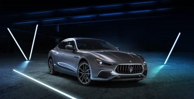 Maserati s modelom Ghibli ulazi u eru elektrifikacije