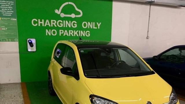 Hrvatska uvodi zabranu parkiranja na punionicama e-vozila