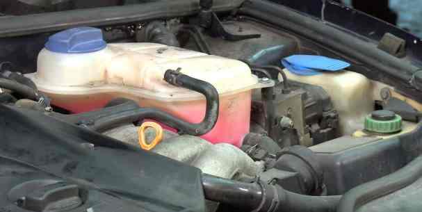 Lo debes revisar en tu auto antes de salir a carretera - refrigerante