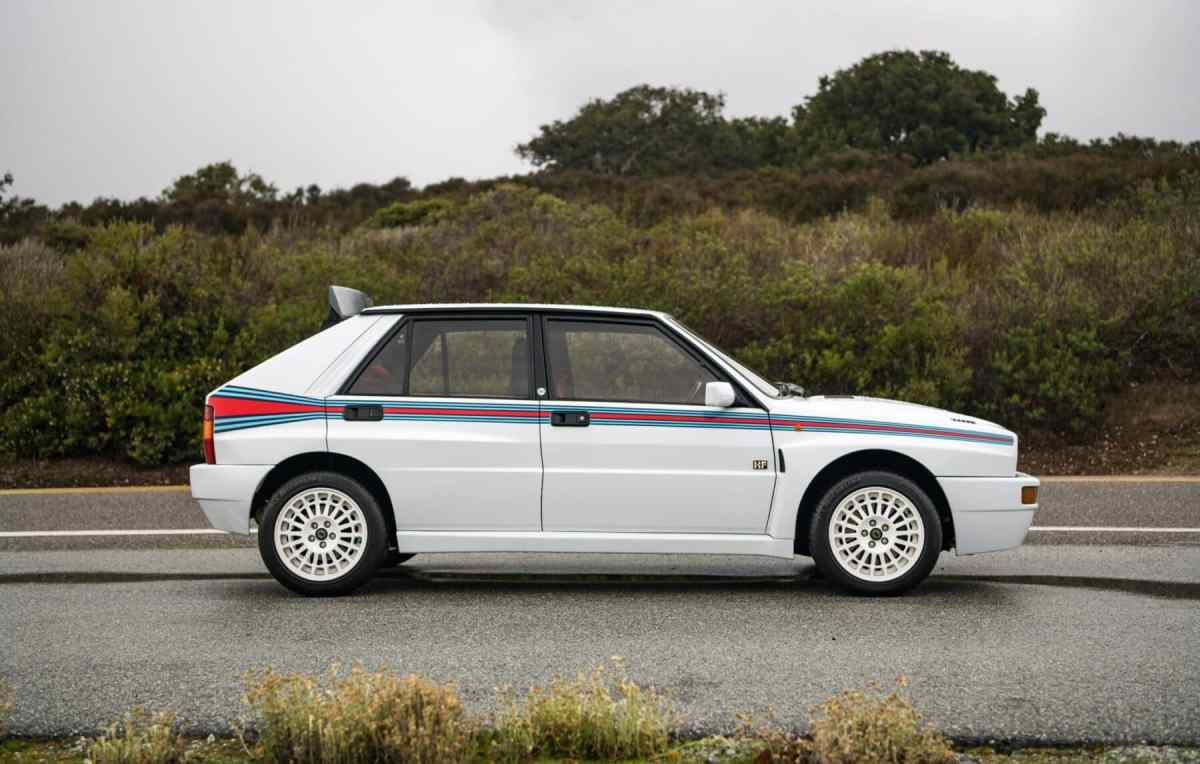 Jewel for sale! This Lancia Delta Integrale Martini 5 Evoluzione registered in Spain can be yours