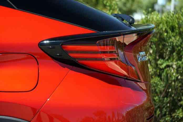 Opinión y prueba Toyota C-HR 180H Advance Luxury eCVT