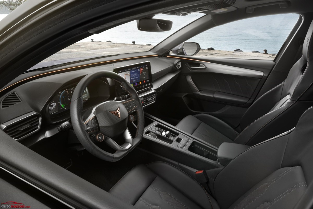 The Cupra León adds the 2.0 TSI engine with 300 CV: Now available in France