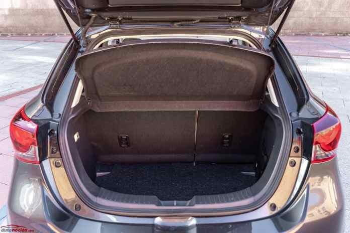 Opinión y prueba Mazda2 1.5 gasolina 90 CV pegatina eco 2021