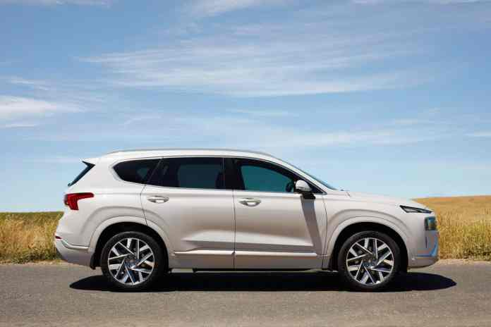 All prices of the renewed Hyundai Santa Fe: Hybrid included