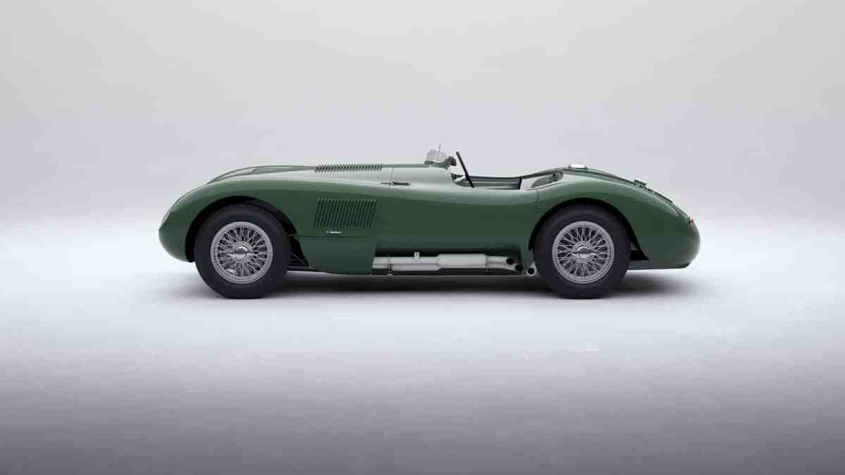 8 perfect replicas to celebrate the model's 70 years