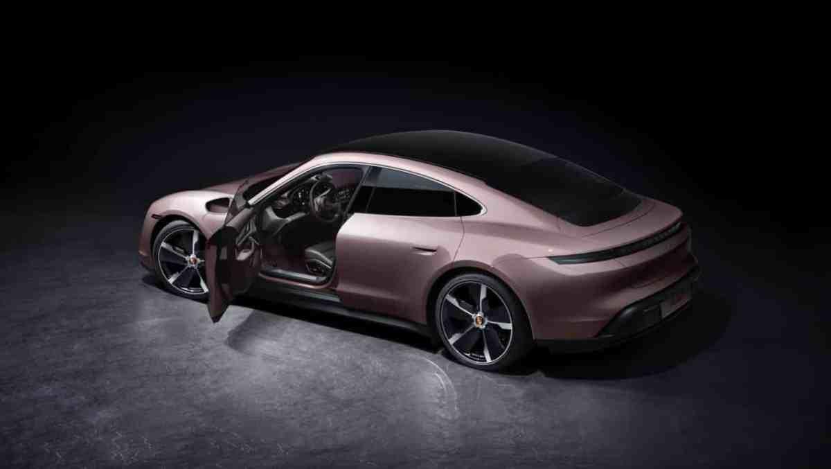 The access Porsche Taycan arrives: from 85,710 euros