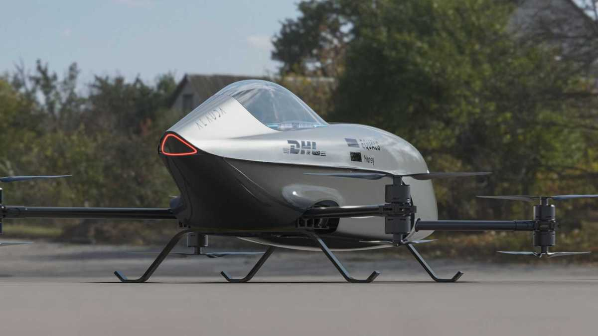 the flying car ready to race