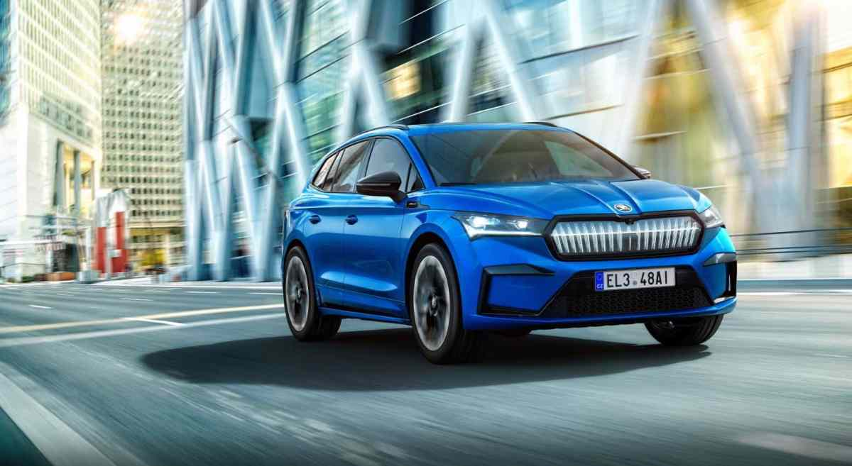 This is what the Škoda ENYAQ SPORTLINE iV looks like: light sporty touches