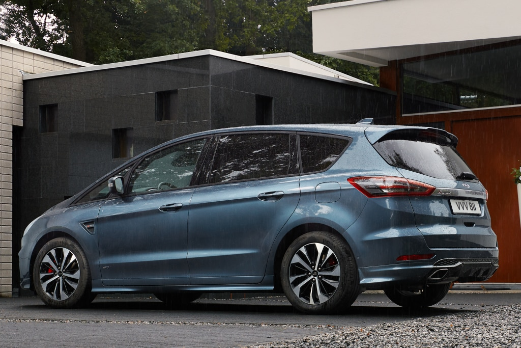 Now on sale the Ford S-Max with the 2.5 hybrid engine
