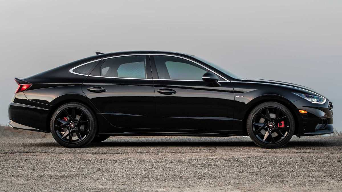 There will only be 1,000 copies of the Hyundai Sonata N Line Night Edition