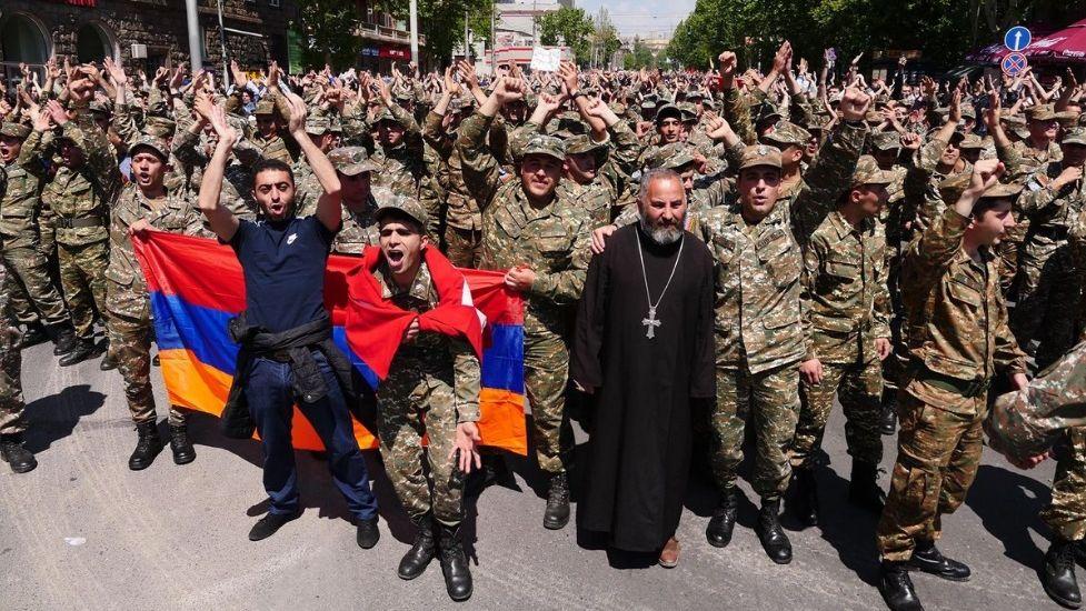 Machtwechsel In Armenien Kippt Russlands Letzter Verbundeter Autonomie Magazin