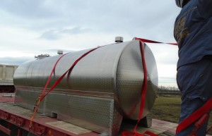 cisterna vode jkp standard ide u srbobran izvor jkp standard.rs