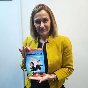 Carmen María García ya tiene su GuíaBurros para autónomos